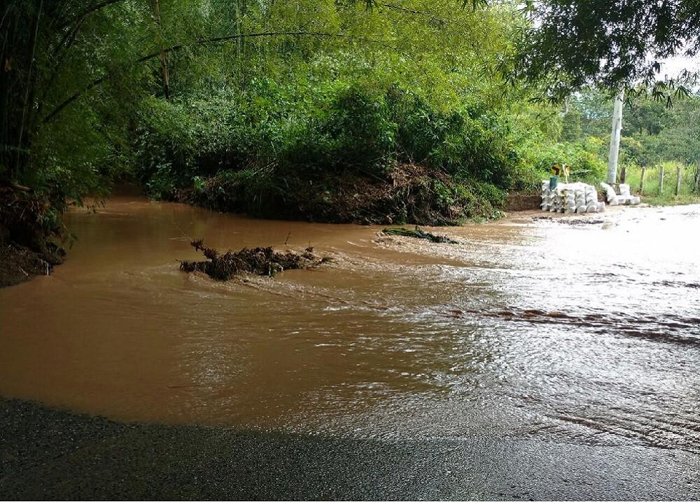 284401_Blu Radio / Niña de dos años murió tras ser arrastrada por el río Amaime en El Cerrito, Valle. Foto: Referencia AFP.