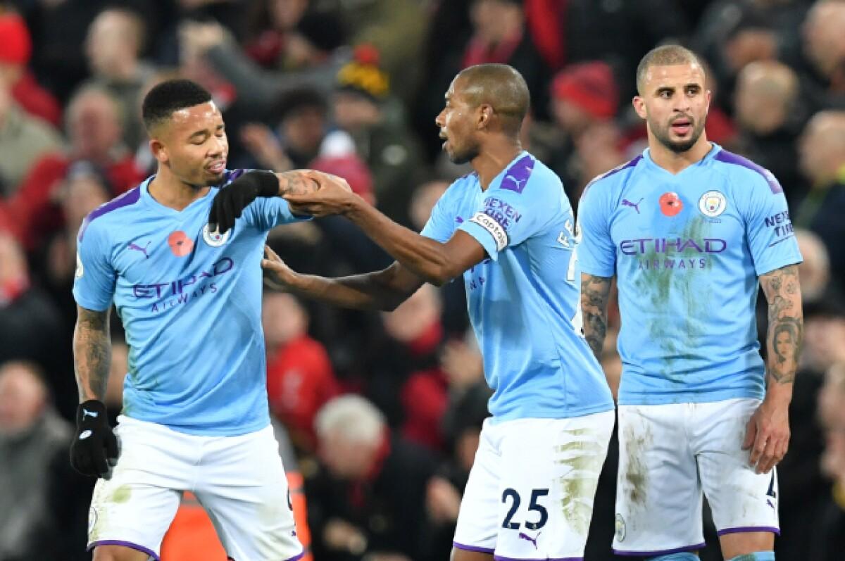 Manchester City informó que Gabriel Jesús y Kyle Walker dieron positivo  para coronavirus
