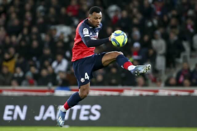 333046_Gabriel Dos Santos, defensor Lille.