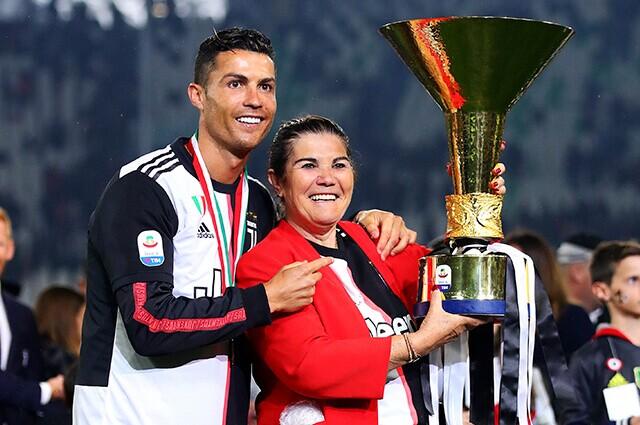 332195_Cristiano Ronaldo y su madre