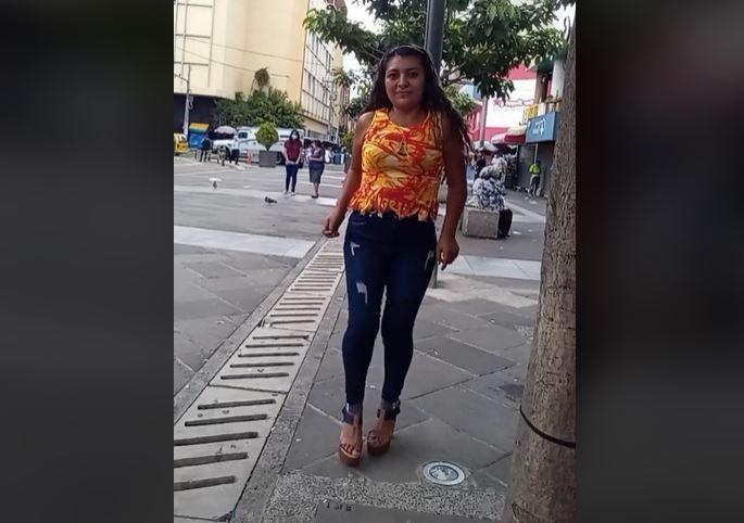 Yanira Berríos, la mujer que pasó de ser vendedora ambulante a ser un fenómeno en TikTok.JPG