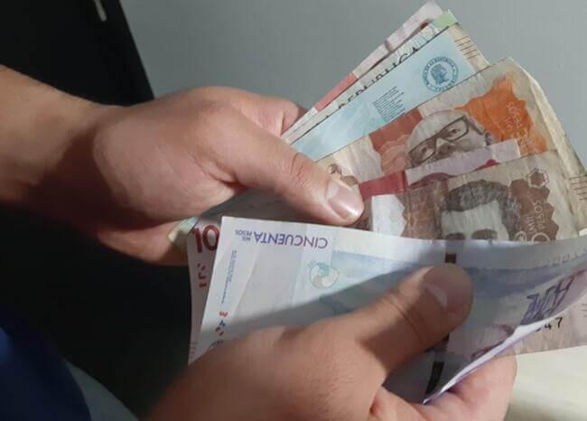 367564_dinero-plata-pesos-ayuda-2-economia-foto-blu.jpg