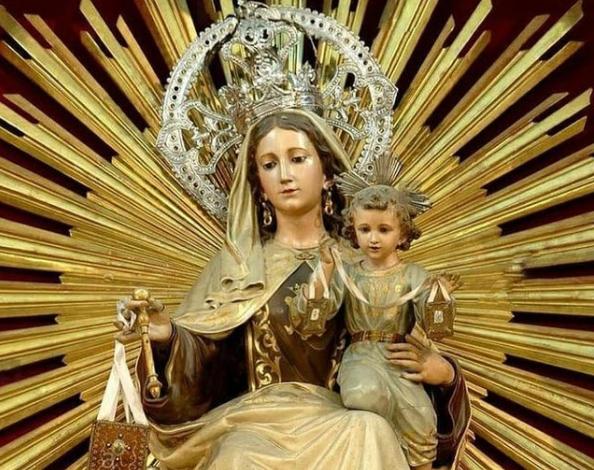 Estatua de la Virgen del Carmen