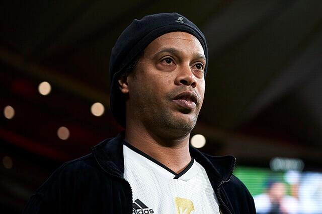 332905_Ronaldinho
