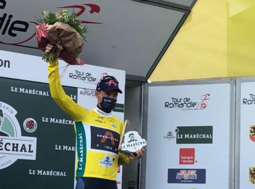 Rohan Dennis es el líder del Tour de Romandía.
