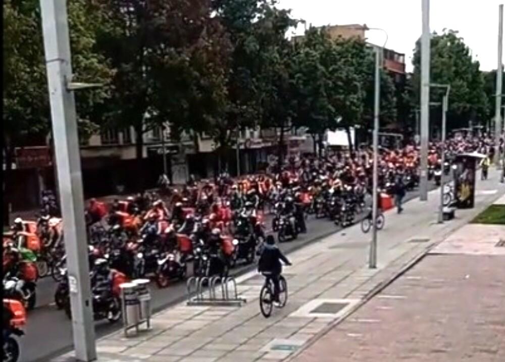 374378_Manifestación rappitenderos // Foto: Captura de video twitter