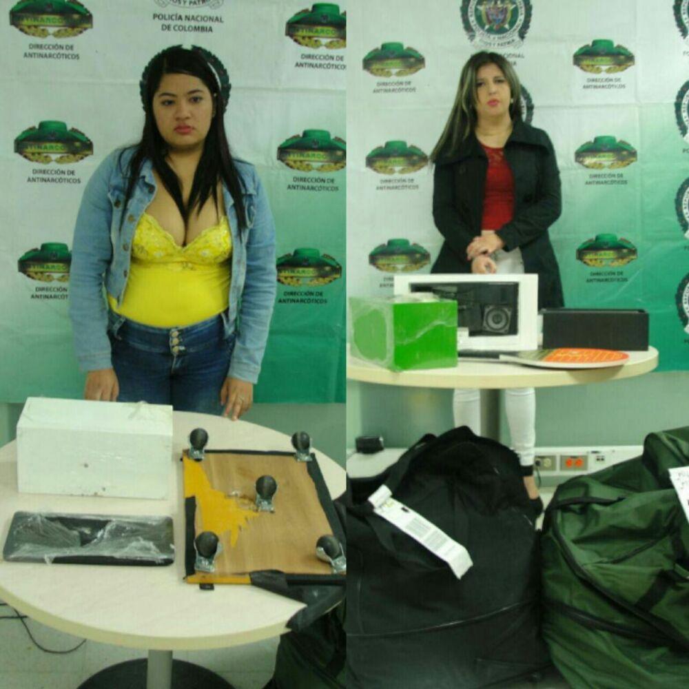 293318_Blu Radio / Mujeres capturadas con cocaína en aeropuerto de Barranquilla. Foto: Policia