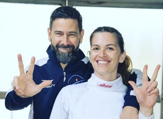 María Belén Pérez , esgrimista argentina con su prometido y entrenador Lucas Saucedo.