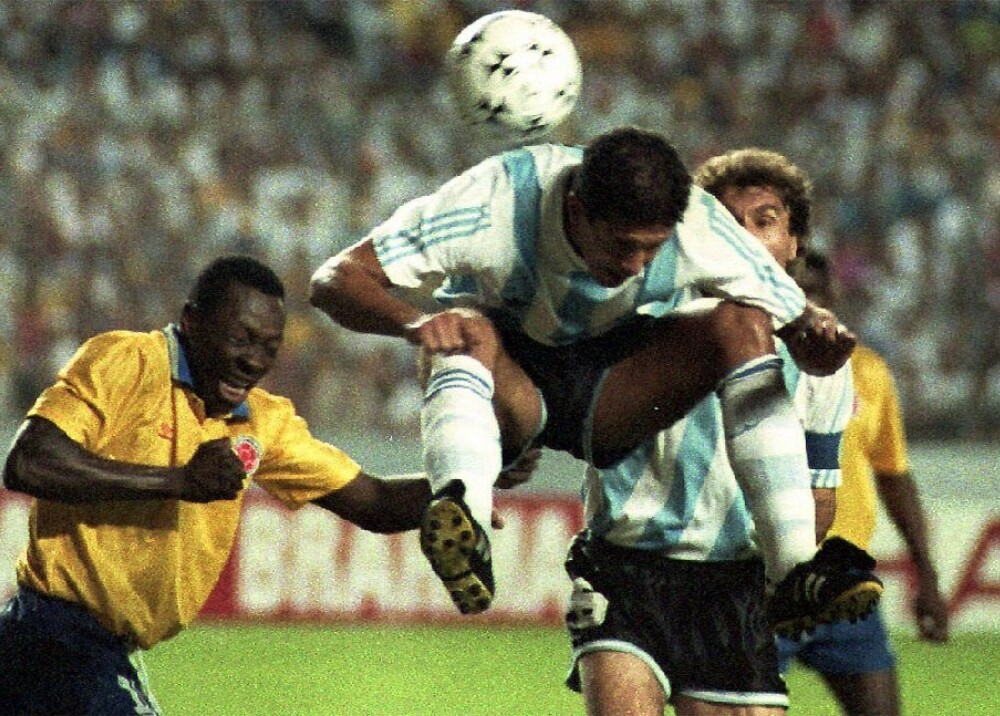 Argentina vs Colombia Copa América 1993 Foto AFP.jpg