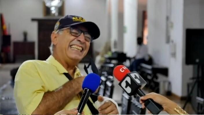 alcalde william dau riéndose en cartagena.jpg