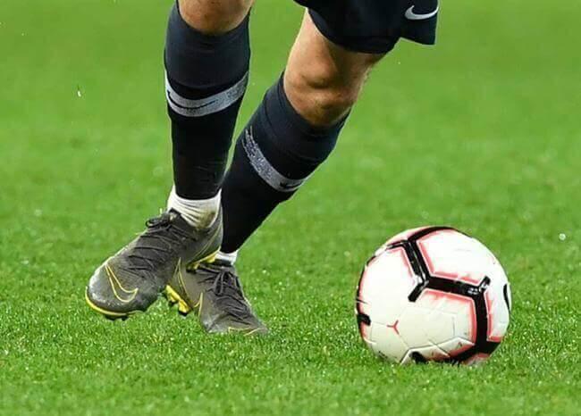 376646_blu_radio_futbolistas_balon_futbol_.jpg