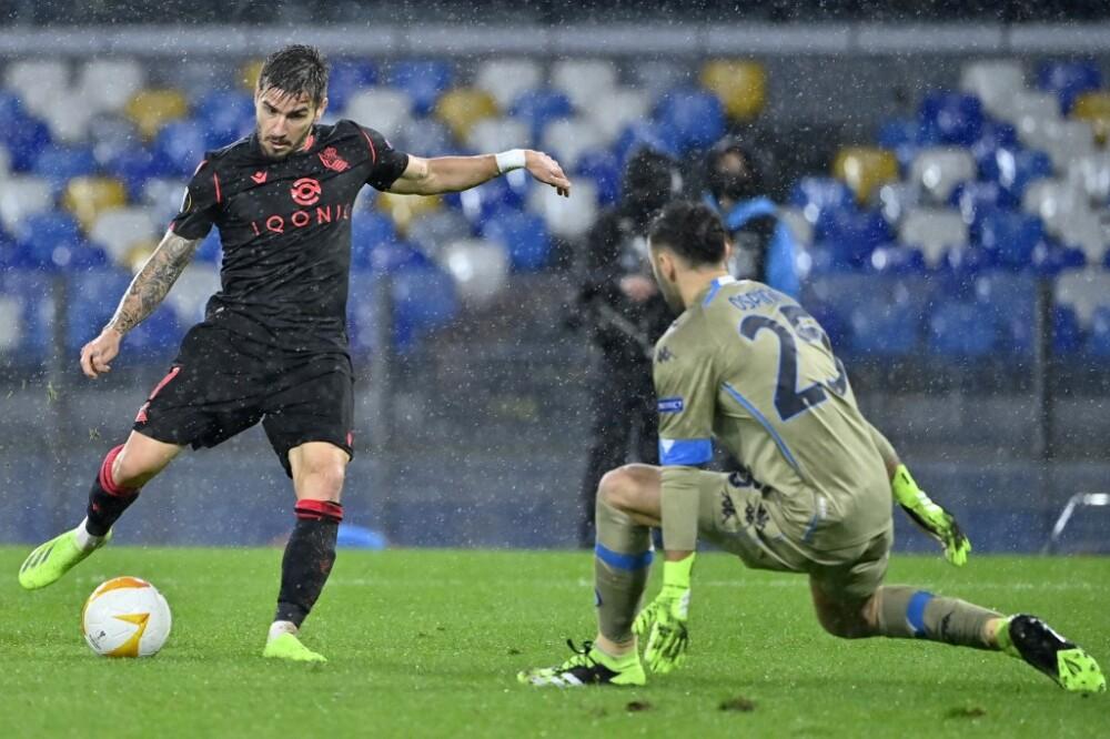 David Ospina en el arco del Nápoles frente a Real Sociedad