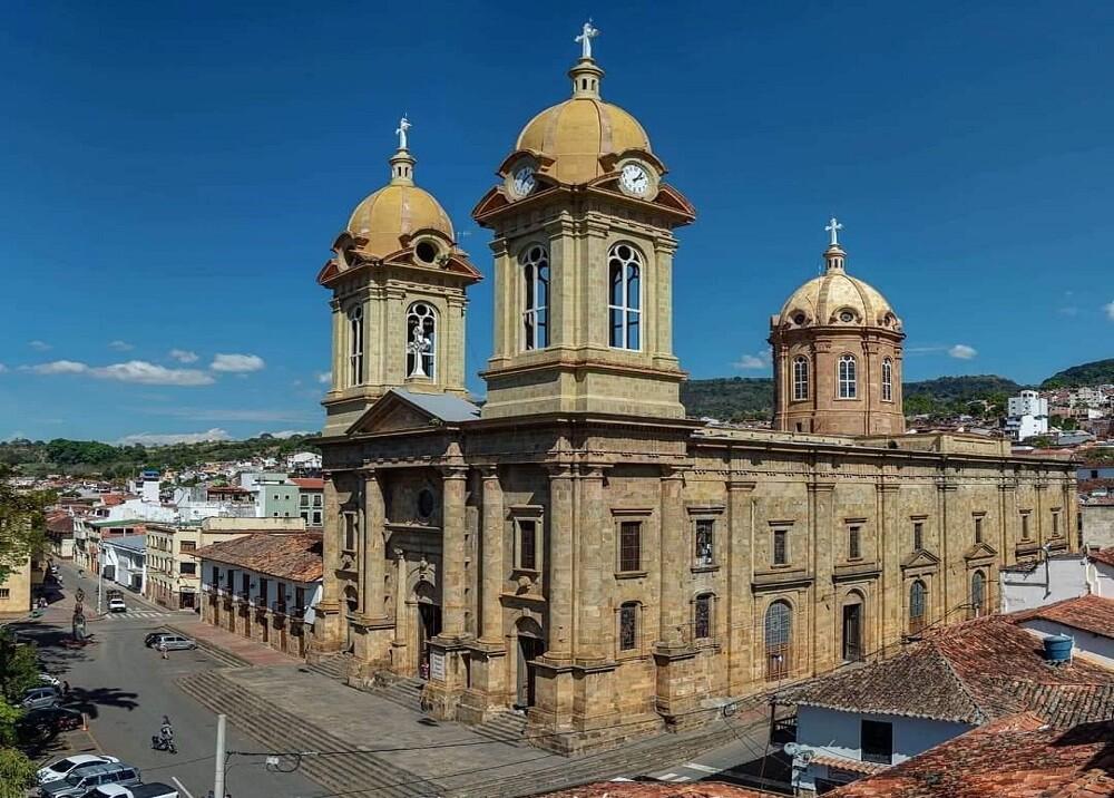 367625_BLU Radio. Basílica Menor Nuestra Señora del Socorro / Foto: Gobernación de Santander