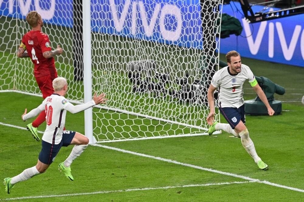 Gol de Harry Kane contra Dinamarca.