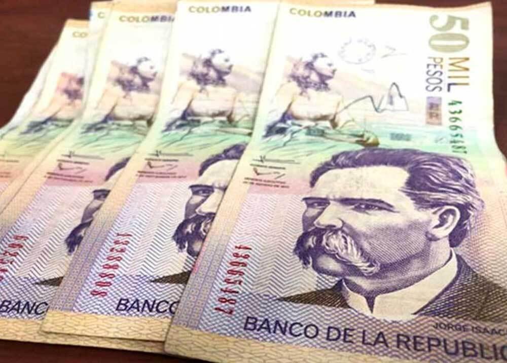 334581_BLU Radio // Pesos colombianos // Foto: AFP