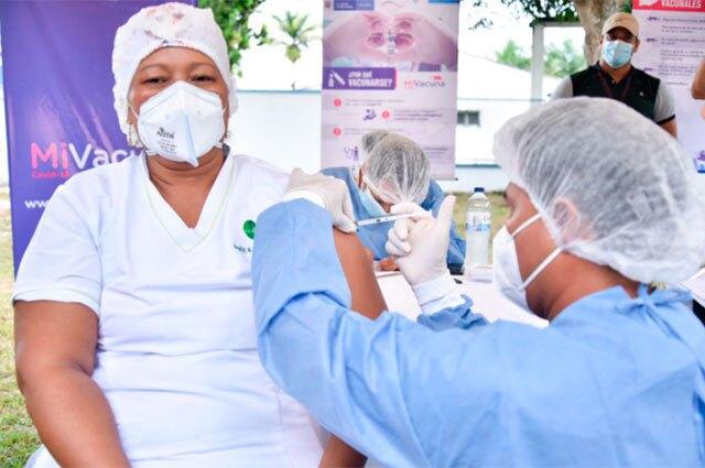 Vacunación COVID en Guainía
