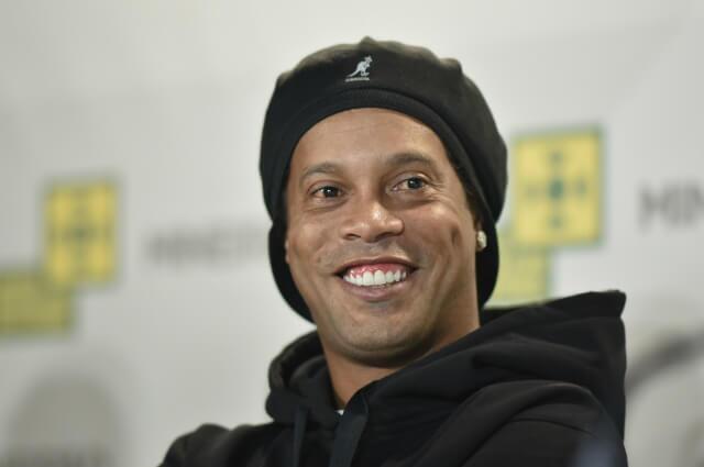 323123_Ronaldinho