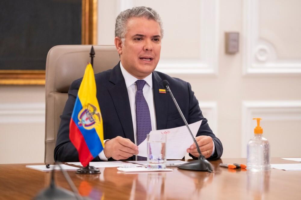 Duque lamenta renuncia de Uribe.jpg