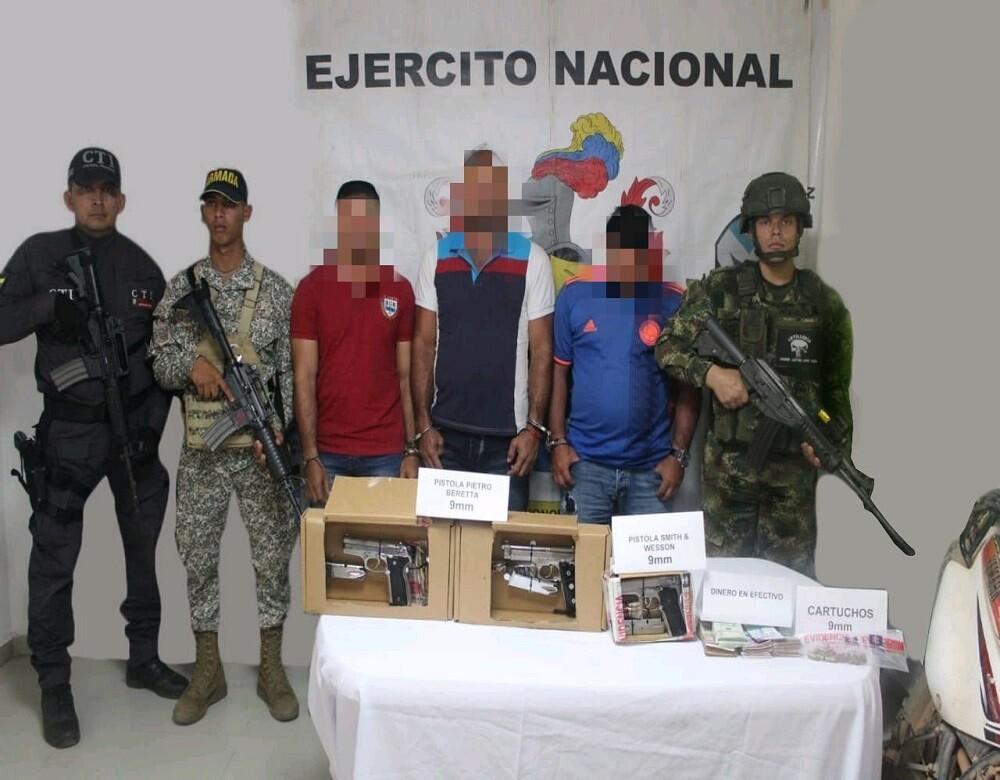 355191_BLU Radio. Captura de presuntos guerrilleros en el Magdalena Medio / Foto: Ejército