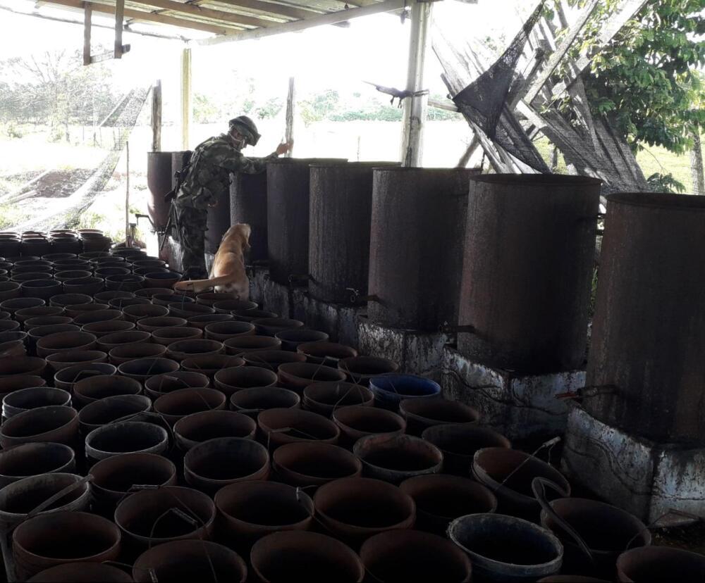 335455_BLU Radio. Desmantelan laboratorio ilegal del Clan del Golfo en Urabá / Foto: Ejército