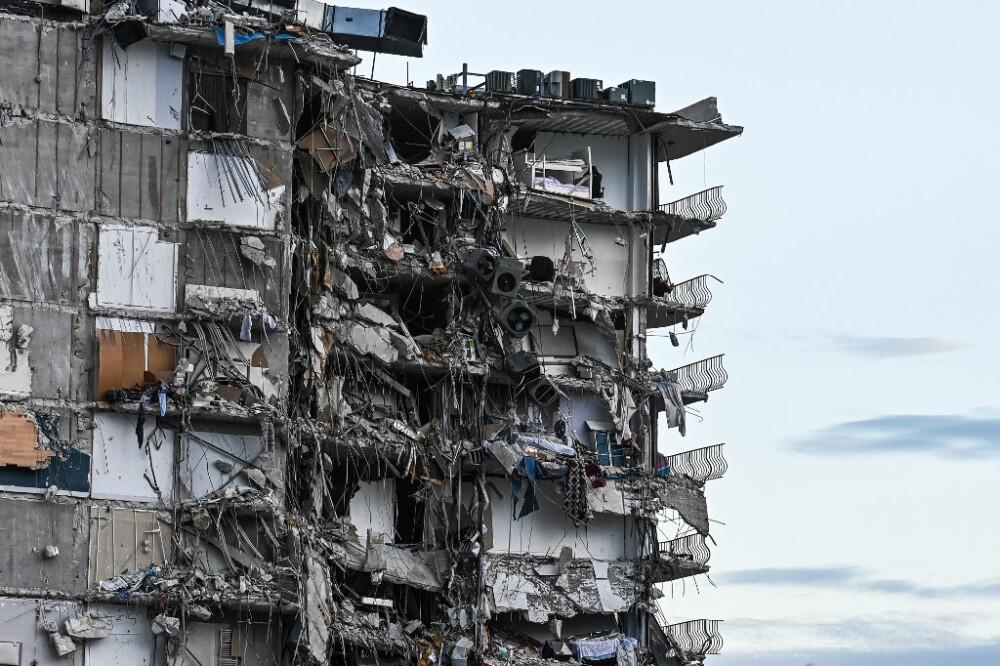 Edificio colapso en Miami.jpeg