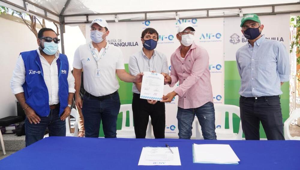 Empresa Air-e firma contrato de mejoras del servicio