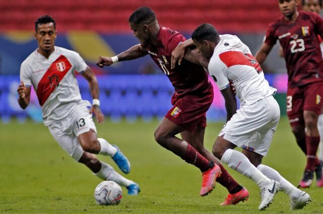 Sergio Córdova, en Venezuela vs. Perú
