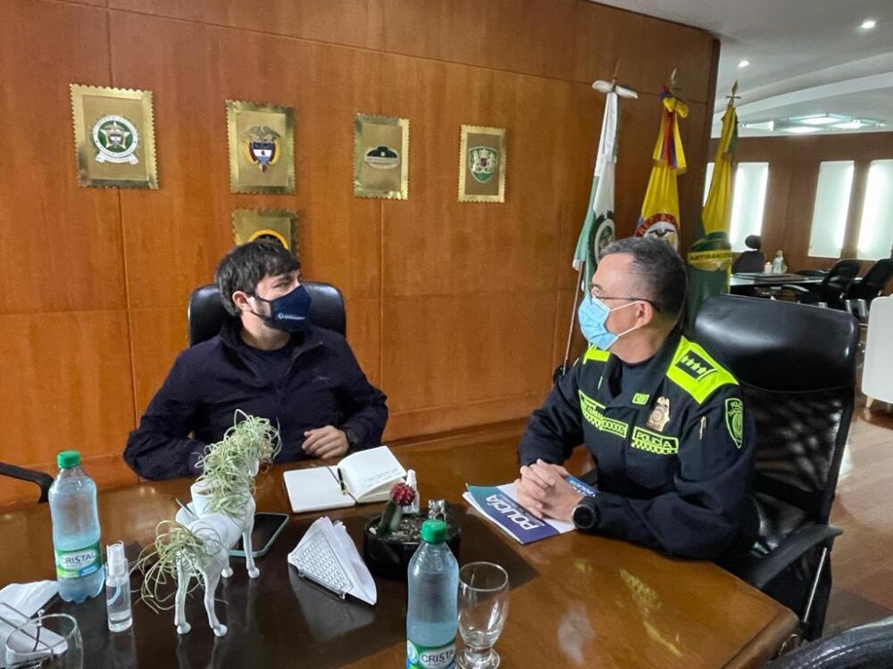 Reunión entre alcalde Jaime Pumarejo y Director Nacional de la Policía