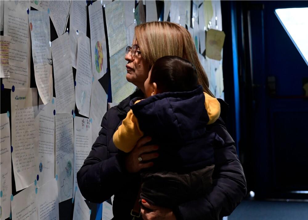 362490_Madre e hijo // Foto: Referencia AFP