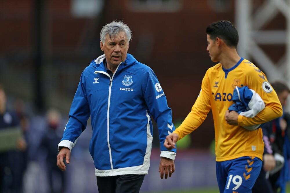 Ancelotti y James / AFP