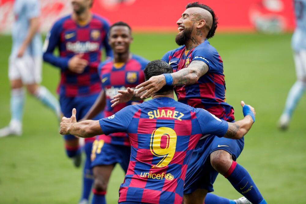Luis Suárez y Arturo Vidal Barcelona 160920 Getty Images E.jpg