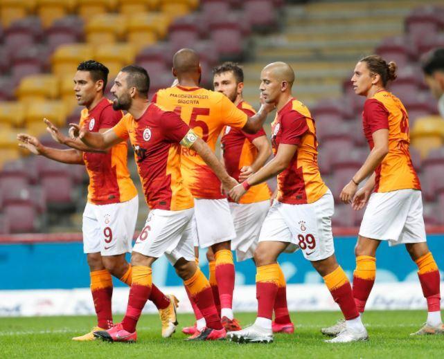 Galatasaray Festejo 130920 Twitter E.JPG