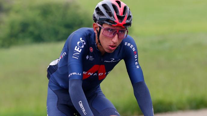 Egan Bernal ocupa el puesto 30 del Giro de Italia tras la etapa 3