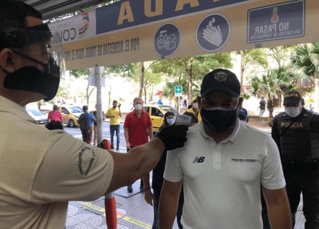 372334_Comerciantes alista protocolos de bioseguridad // Foto: Alcaldía de Barranquilla