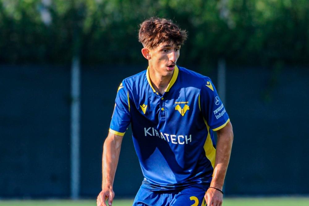 Andrea Gresele, jugador de Hellas Verona. Hellas Verona Oficial.png
