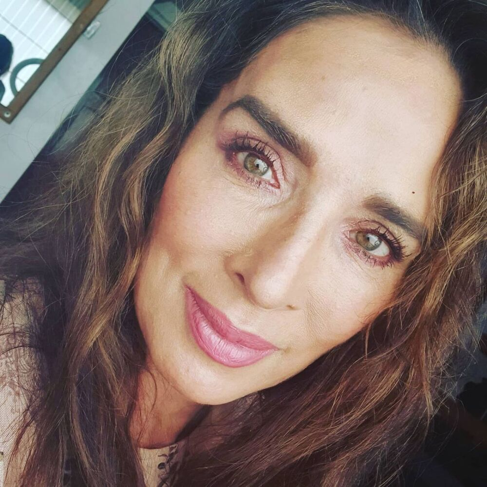 Luly Bossa enciende nuevamente las redes sociales.