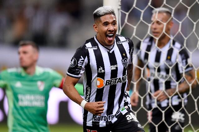 Matías Zaracho, jugador del Atlético Mineiro, celebra su anotación