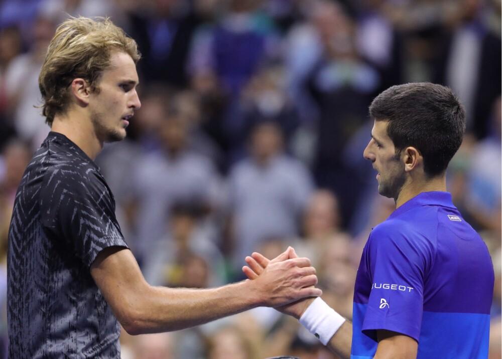 Alexander Zverev y Novak Djokovic Foto AFP.jpg