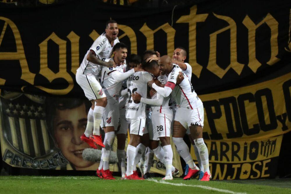 Peñarol v Athletico Paranaense - Copa CONMEBOL Sudamericana 2021