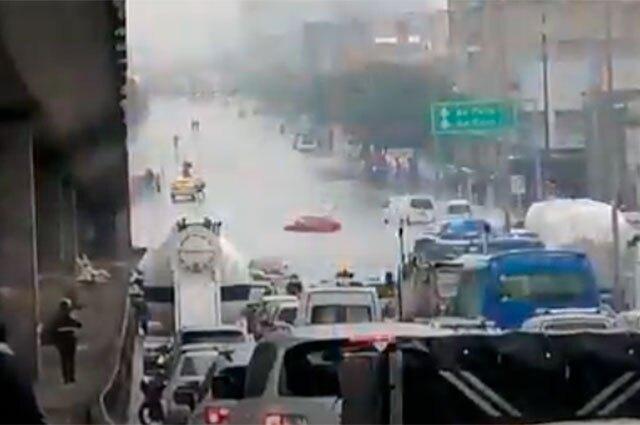 Aguacero en Bogotá - Carrera 30