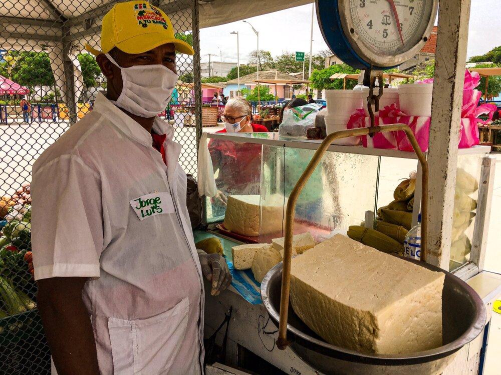 372162_BLU Radio // Mercado a tu barrio, comercio informal. // Foto: Alcaldía de Barranquilla