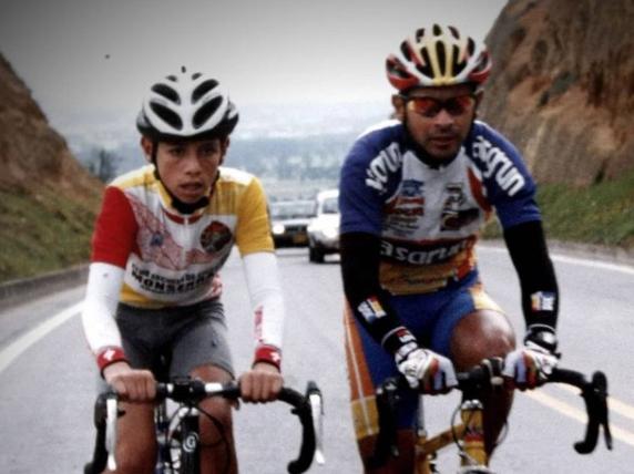 Esteban Chaves en sus inicios en el ciclismo.