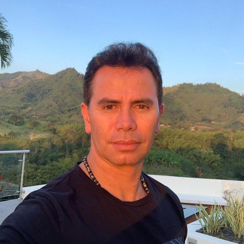 Jhonny Rivera cantante de música popular colombiana