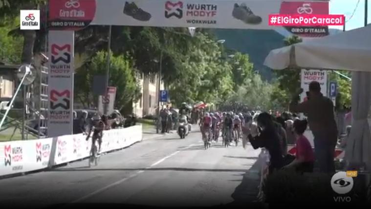 Esprint bonificado etapa 12 del Giro de Italia.