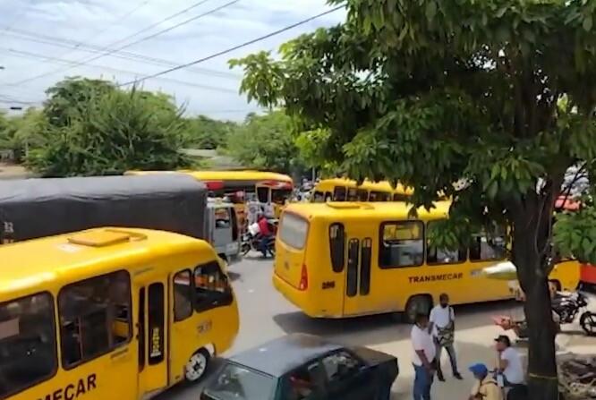 Paro de buses vía Oriental