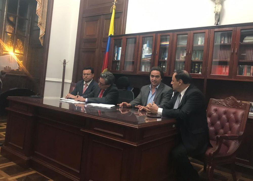 346554_BLU Radio. Gobierno radicó reforma tributaria ante el Congreso con mensaje de urgencia // Foto: BLU Radio