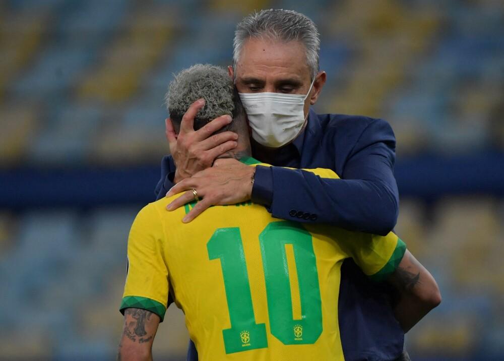 Tité y Neymar Foto AFP.jpg