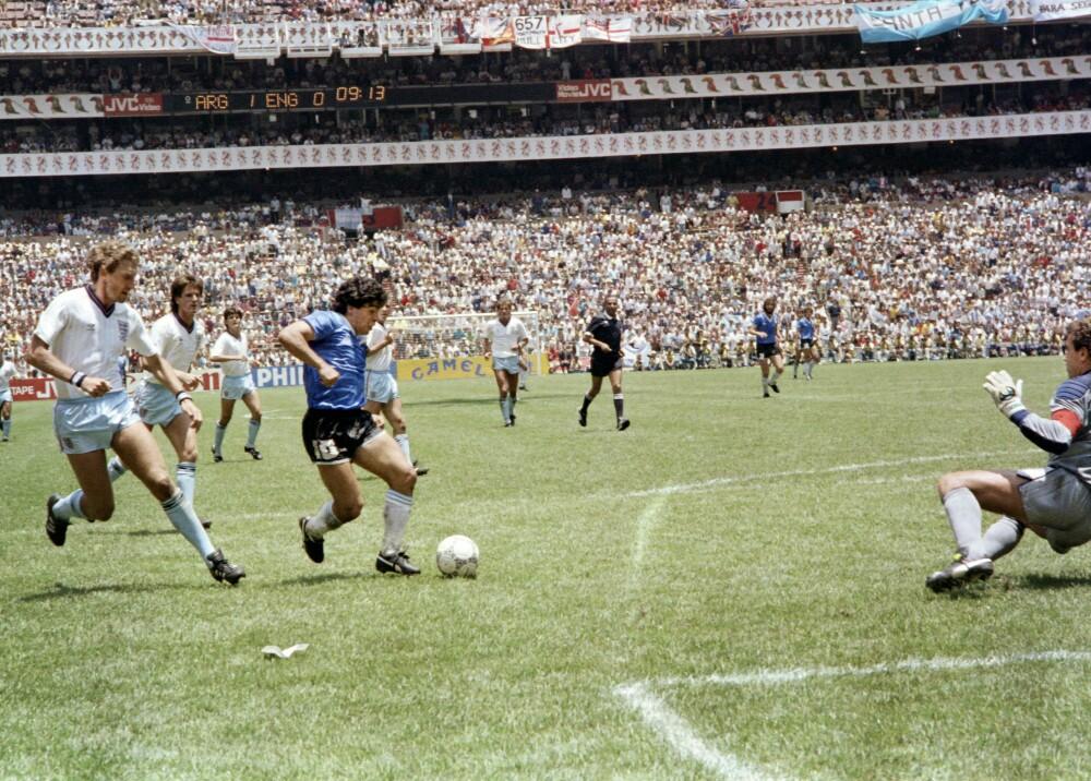 145497_Diego Maradona en el partido Argentina vs. Inglaterra en México 1986 - Foto: AFP