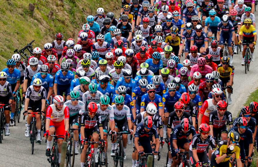La etapa 2 del Giro de Italia se disputó entre Stupinigi y Novara sobre 173 kilómetros.