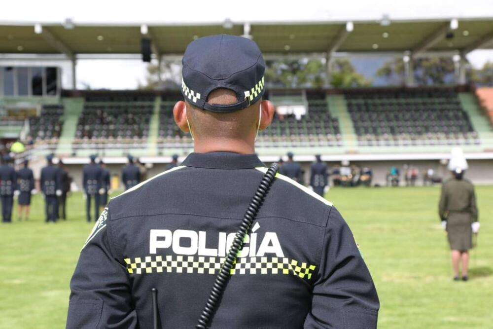 nuevo uniforme policia colombia